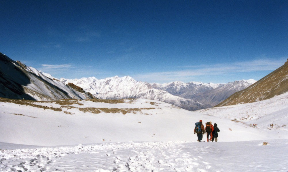 annapurna circuit trek in may